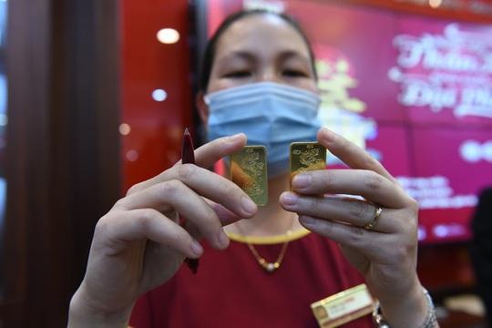 Trước ngày Thần Tài, một người bán 130 cây vàng thu về hơn 7,2 tỉ đồng - Ảnh 6.