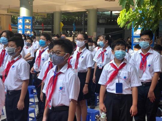Học sinh Hà Nội chính thức đi học trở lại từ 2-3 - Ảnh 1.