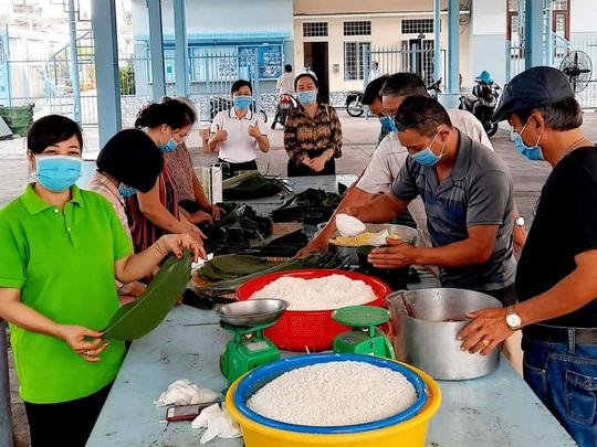 Nhiều hoạt động chăm lo Tết cho công nhân - Ảnh 2.