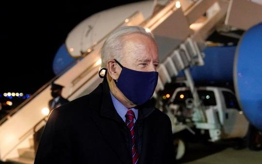 Tổng thống Biden muốn cắt đặc quyền của ông Trump - Ảnh 1.