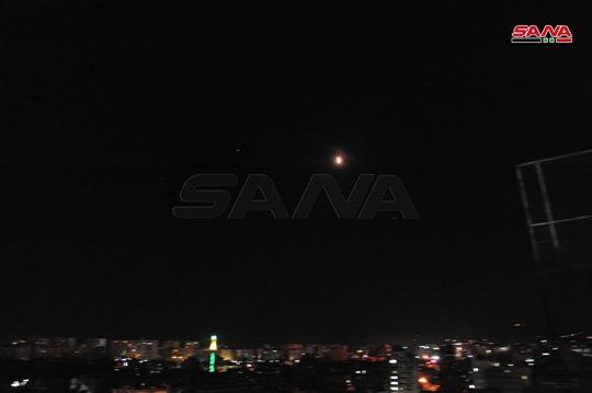 Syria tuyên bố bắn hạ hầu hết tên lửa Israel bay tới Damascus - Ảnh 2.