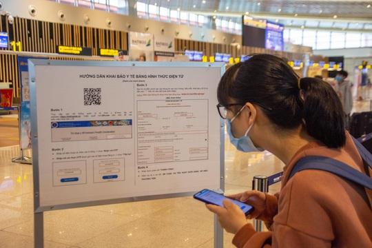 Đi máy bay chưa khai báo y tế điện tử sẽ bị từ chối soi chiếu an ninh - Ảnh 1.