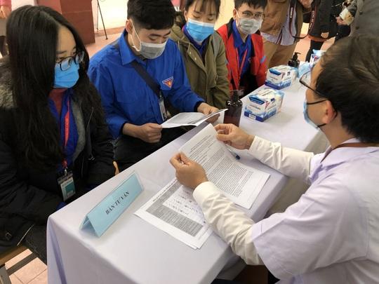 Lái xe, sinh viên người Hải Dương sẽ xét nghiệm gộp mẫu, Việt Nam sắp thử nghiệm vắc-xin Covid-19 thứ 2 - Ảnh 2.