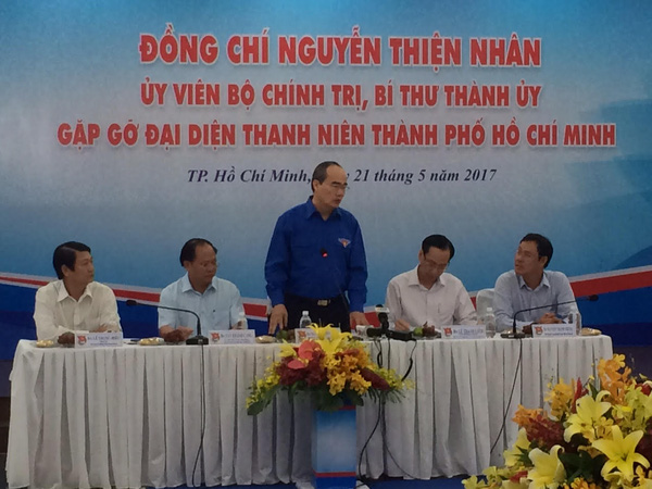 Bí thư Thành ủy TP HCM Nguyễn Thiện Nhân đặt hàng thanh niên TP giám sát kẹt xe, xử lý rác thải…