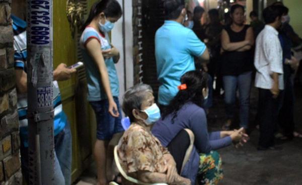Xác người nước ngoài phân hủy trong căn nhà khóa cửa