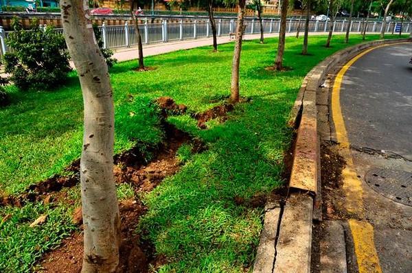 2 hố ga phát nổ lớn ven kênh Nhiêu Lộc
