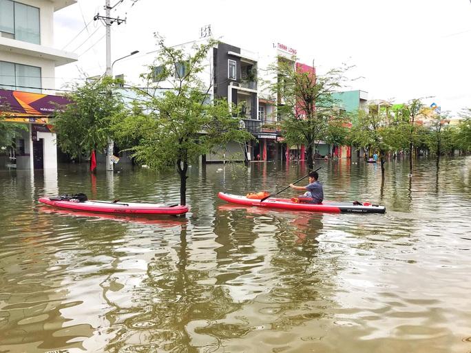 Quảng Nam vẫn chìm trong nước lũ, đã có 8 người chết và mất tích - Ảnh 3.