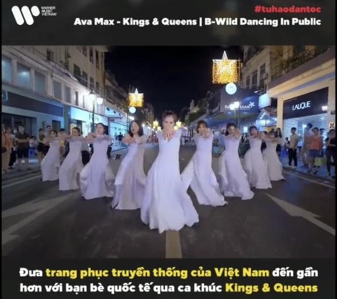 CLIP: Áo dài Việt Nam đến với thế giới đầy mới mẻ - Ảnh 1.