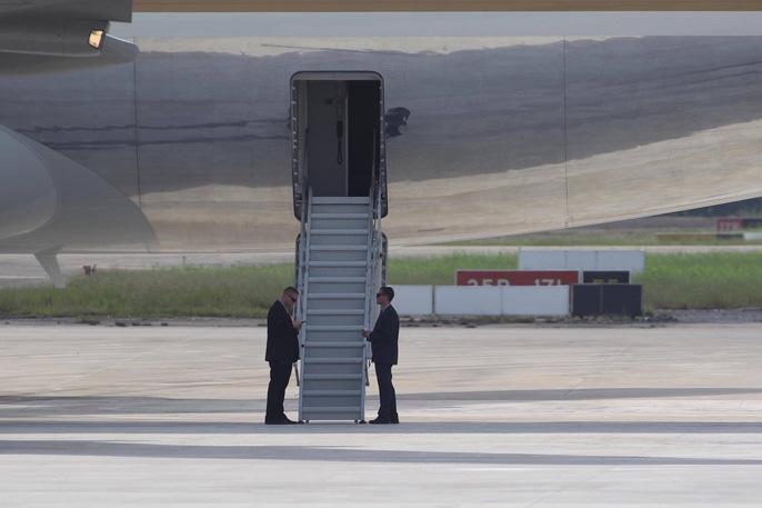 APEC 2017: Tổng thống Mỹ rời Đà Nẵng, bay đến Hà Nội - Ảnh 5.