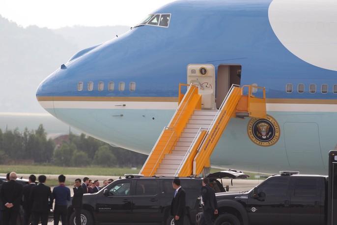 APEC 2017: Tổng thống Mỹ rời Đà Nẵng, bay đến Hà Nội - Ảnh 7.