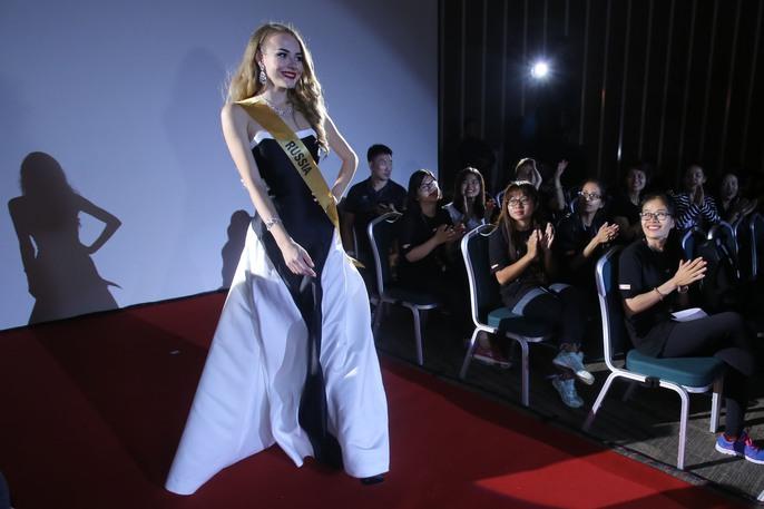 Màn chào sân ấn tượng của các thí sinh Miss Grand International 2017 - Ảnh 8.