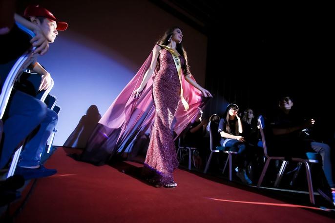 Màn chào sân ấn tượng của các thí sinh Miss Grand International 2017 - Ảnh 7.