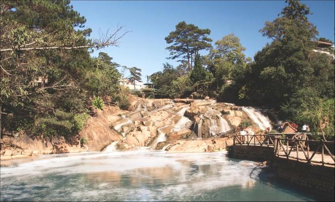 Những thác nước hùng vĩ đến khó tin ở Việt Nam - Ảnh 6.