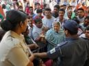 Ấn Độ hỗn loạn vì đổi tiền