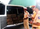 Tạm giữ xe chở gỗ giả xe cấp cứu