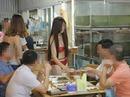 Phạt 40 triệu đồng nhà hàng để nhân viên mặc bikini bưng đồ ăn
