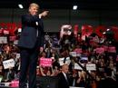 """Ông Trump bị tố """"đi đêm"""" với Nga"""