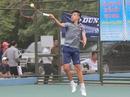Từ bưng lẩu thành tay vợt tiềm năng