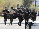 Hòa giải tranh cãi gia đình, 2 cảnh sát bị bắn chết
