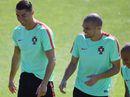 Bồ Đào Nha nhận tin cực vui trước trận chung kết