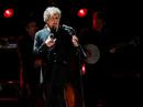 """Bob Dylan thấy như """"đứng trên mặt trăng"""" khi đoạt giải Nobel"""