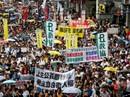 Hồng Kông ngột ngạt, chia rẽ