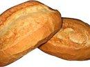 Hai thiếu niên cướp bánh mì thoát án tù