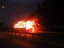 Xe khách cháy dữ dội, 35 khách vừa chạy vừa la hét