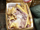 700 ký thịt thối giả heo rừng chuẩn bị vào nhà hàng
