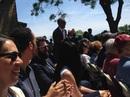 """Ông Obama """"nghỉ việc"""" đi dự lễ tốt nghiệp của con gái"""