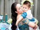 Nhật Kim Anh tổ chức tiệc thôi nôi cho con tại khách sạn