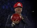 """Thủ tướng Nhật hóa """"Super Mario"""" chui lên từ ống nước"""