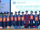Trường ĐH Văn Hiến trao bằng tốt nghiệp cho 180 thạc sĩ, cử nhân