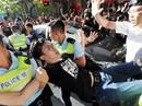 Hồng Kông: Cảnh sát đụng độ người biểu tình