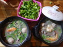 Người Sài Gòn ăn cháo Tiều trứ danh bằng thố đất