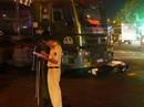 Nữ công nhân chết thảm dưới bánh xe container
