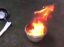 Nước giếng múc lên đốt cháy ngùn ngụt