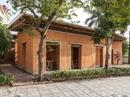 Nhà đất mái tre nổi bật giữa khu phố hiện đại ở Quảng Ninh
