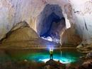 Khoan thạch nhũ hàng triệu năm để lắp thang sắt trong hang Sơn Đoòng