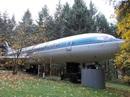 """Khám phá """"ngôi nhà máy bay"""" nằm giữa rừng ở Mỹ"""