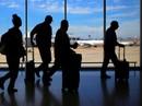 Trốn bố mẹ, bé 7 tuổi không vé lẻn lên máy bay