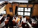 Công trình ngàn tỉ và cái sàn phòng học đổ sập