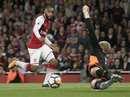 Nổ súng trận mở màn, Lacazette lập kỷ lục Premier League