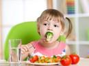 Chuyên gia Úc bày cách giúp bé thích ăn rau