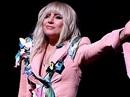 """Lady Gaga kín đáo vẫn """"quái dị"""" trên thảm đỏ"""