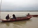 Theo chân ngư dân vào mùa săn cá ở ngã ba sông