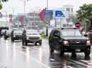"""APEC 2017: Người dân Đà Nẵng đội mưa xem """"quái thú"""""""