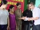 Đoàn công tác TPHCM đến với người dân lũ tỉnh Thừa Thiên - Huế