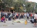 Va chạm giao thông ngã ra đường, thanh niên bị xe khách cán tử vong