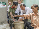 Trao tặng 100 bể chứa nước cho người nghèo